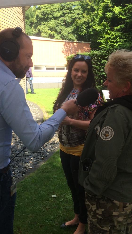 Voor het radio programma Cappucino intervieuwde Jeroen Kijk in de Vegte de bedenkster Nicole Kinsbberen en gebruikster Karin Koetsier over de DoggyDating app.