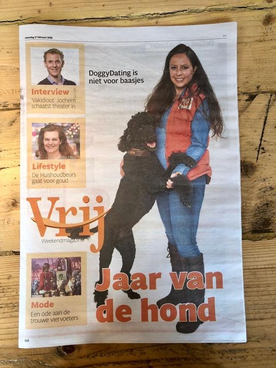 In alle edities van het Noordhollandse Dagblad stond een groot artikel over DoggyDating. De app die is bedacht door Nicole Kinsbergen en waarmee baasjes hun honden kunnen laten daten.